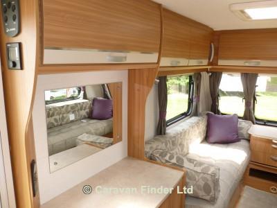 Lunar Quasar 462 2014 Caravan Photo