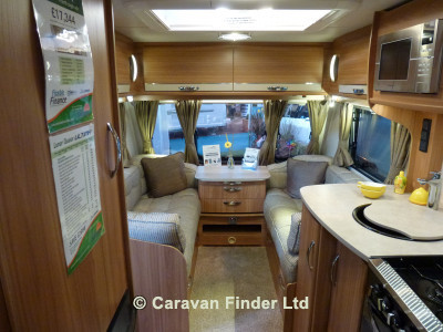 Lunar Ultima 554 2014 Caravan Photo