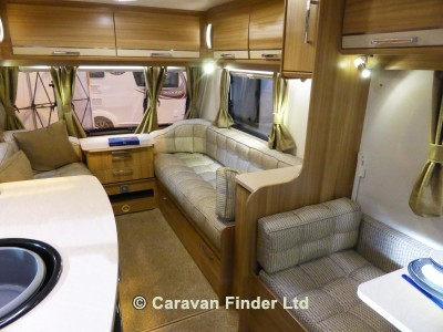 Lunar Quasar Ultima 524 2015 Caravan Photo