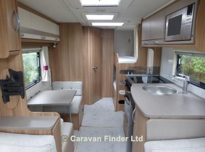 Lunar Quasar 586 2018 Caravan Photo