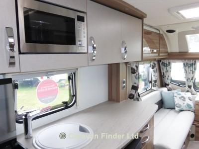 Swift Challenger hi-style 530 2016 Caravan Photo