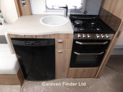 Swift Challenger 580 2016 Caravan Photo